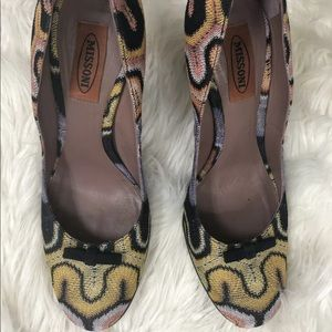 MISSONI Women Fabric Round Toe Heels With Bow 8.5